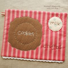 Amy's great tutorial for her snack mats. I want a nice, big stack of these for when the grandbabies visit. Must. Make. Soon.
