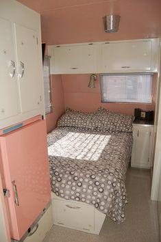 http://oldtrailer.com/Images/1961-holiday-house-trailer-810.jpg