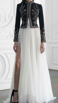beautiful! Pakistani Outfits, Indian Outfits, Pretty Dresses, Beautiful Dresses, Hijab Fashion, Fashion Dresses, Indian Designer Wear, Mode Style, Couture Dresses