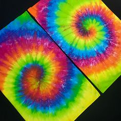 Custom made to order tie dye pillowcase set featuring vibrant, neon colors in a traditional spiral design. Hand dyed tie dye pillowcases are available in sets of two (2) in Standard/Queen or King Size. Made w/ 100% cotton, 300 thread count fabric. PARADISIACDYES.COM is a true small business and one-woman-operation that specializes in wildly unique, one of a kind custom made tie dye clothing, up cycled fashion, tie dye bedding & tapestries! #tiedyeyoursummer #tiedyepillowcases #tiedyebedding Neon Colors, Rainbow Colors, Tie Dye Bedding, Toddler Pillowcase, Spiral Tie Dye, Tie Dye Outfits, Neon Rainbow, Ice Dyeing, Pink Cotton Candy