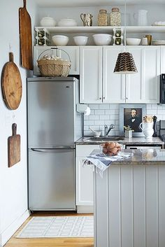 Picture Of Small Kitchen Design Awesome 30 Best Small Kitchen Design Ideas Tiny Kitchen Decorating Home Kitchens, Kitchen Design Small, Kitchen Remodel Small, Kitchen Design, Bosch Kitchen Design, Kitchen Decor, Kitchen Remodel Design, Small Kitchen Makeovers, Small Kitchen Pantry