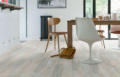 Home Stick - Whitewash oak: Zelfklevende pvc vloer - 18 dozen Best Flooring, Grey Flooring, Flooring Options, Concrete Floors, Hardwood Floors, Rubber Tiles, Dining Chairs, Dining Table, Home Stuck