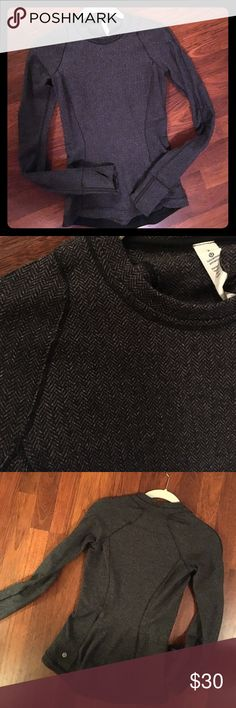 Herringbone Long sleeve Lululemon Running Top Barely worn long sleeve tight fitting Lululemon running top is perfect for a chilly run. Asking $30. Zippers in the back. Made of thick cotton. lululemon athletica Tops Tees - Long Sleeve