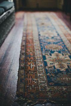 Auf der Teppichkante balancieren