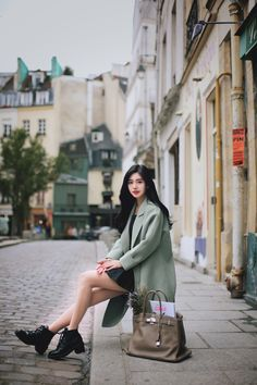 daily 2017 feminine& classy look Korean Beauty Girls, Asian Beauty, Cute Asian Girls, How To Look Classy, Girl Model, Ulzzang Girl, Fashion Outfits, Womens Fashion, Asian Woman