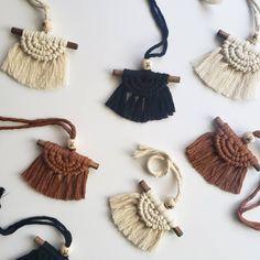 Macrame Earrings, Macrame Jewelry, Macrame Wall Hanging Diy, Boho Boutique, Macrame Design, Macrame Projects, Macrame Knots, Macrame Patterns, Yarn Crafts