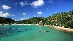 Ko Tao significa en tailandés literalmente isla tortuga. Fue nombrada así por sus primeros pobladores al ver que la forma de la isla se asemeja a la de este animal además es un importante área de reproducción de tortugas verdes y tortugas carey.  Situada en la orilla este del golfo de Tailandia.