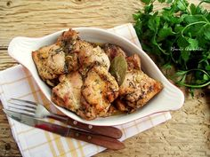 Pulpe dezosate cu condimente la cuptor Turkey, Chicken, Meat, Cooking, Recipes, Food, Kitchen, Turkey Country, Eten