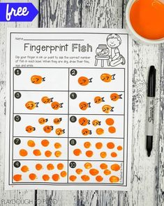 Free Fingerprint Fish Counting Activity for Preschool! Sweet fingerprint project and counting activity in one. Perfect for an ocean unit or under the sea theme. Ocean Lesson Plans, Preschool Lesson Plans, Preschool Math, Kindergarten, Kids Math, Preschool Themes, Rainbow Fish Activities, Sea Activities, Counting Activities