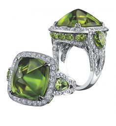Peridot Sugarloaf ring with diamonds and 18k white gold