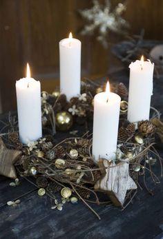 Adventskrans med grene og guld
