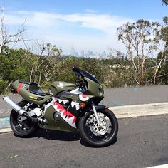 A famous work of art produced by a RR Rider. Very well known in the Melbourne RR community s #cbr #honda #cbr250rr #cbr400rr #cbr600rr #cbr900rr #cbr1000rr #mc22 #mc19 #melbourneriders #bell #starcarbon #carbon #visor #motorbike #motorbikehelmet #melbournestreetriders #streetriders #sharkmouth #ww2 #wwII