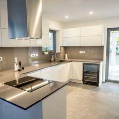 Kitchen, Table, Furniture, Home Decor, Cuisine, Cooking, Room Decor, Home Kitchens, Kitchens