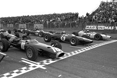 18 July Dutch Grand Prix: Zandvoort: Graham Hill race Jim Clark (Lotus/Climax)(winner)died in Germany 3 years later in # 22 Richie Ginther John Surtees only one to win both and Motorcycle (Speedway) word championships, Dan Gurney and Mike Spence Grand Prix, Vintage Racing, Vintage Cars, Gilles Villeneuve, Honda, American Racing, Formula 1 Car, F1 Racing, Drag Racing