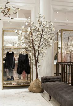 Go inside Club Monaco's 5th Avenue flagship store and then shop the vintage decor furnishings! https://www.onekingslane.com/live-love-home/club-monaco-decorating-ideas/