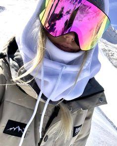 Winter in the Adirondacks – Enjoy the Great Outdoors! Mode Au Ski, Apres Ski Party, Snowboarding Outfit, Snowboarding Women, Snow Gear, Ski Season, Mein Style, Snow Fashion, Fashion Fashion