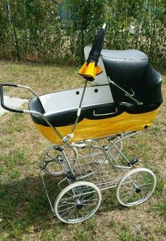 Shanty Boat, Vintage Pram, Prams And Pushchairs, Baby Buggy, Baby Carriage, Retro, Vintage Advertisements, Kids And Parenting, Bassinet