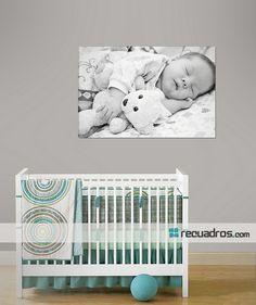 decora el cuarto de tu bebé con una foto a blanco y negro impresa en canvas! Decoracion con detalles creativos, diferentes y personalizados !!! ;) by www.recuadros.com