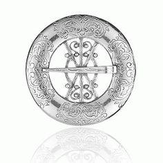 """Bursprette nr. 1 liten oksydert Akkurat disse søljene ble mest brukt i Hallingdalen, de ble kalt """"bursøljer"""". Denne er 4 cm i diameter. Coins, Symbols, Peace, Personalized Items, Cold, Rooms, Sobriety, Glyphs, World"""