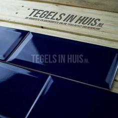 Wandtegel metro 10x20 donker blauw kobalt glans - Artikelcode: TOZCW125. - Nu in de aanbieding voor slechts € 19,75 p/m2 incl. BTW bij Tegels in Huis.nl