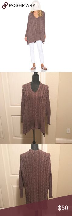 Free People Cable Knit sweater Mushroom color- Comfy, oversized sweater Free People Sweaters