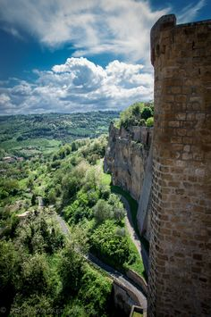 Italy's Most Charming Small Towns Orvieto  A picturesque city to be discovered, enjoyed and experienced.This is how everyone who have visited this city in Umbria, Italy. The city lays atop a tufa outcropping, La Rupe, that rises majestically from the verdant Umbrian countryside.