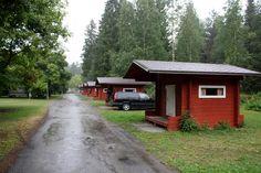 Seinäjoella yövyttiin Seinäjoen leirintäalueella tässä Volvoa vain hiukkasen isommassa mökissä.