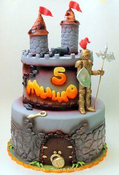 Castle Cake - by marulka_s @ CakesDecor.com - cake decorating website