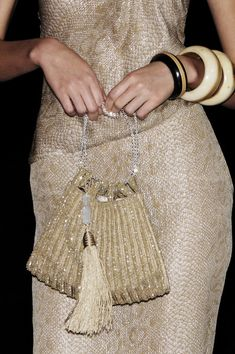 Giorgio Armani at Milan Fashion Week Spring 2006 - ♥ You are in the right place about fashion 2020 Here we offer you the most beautiful pictures abo - Fashion 2020, Runway Fashion, Spring Fashion, Womens Fashion, Fashion Trends, Milan Fashion, Giorgio Armani, Potli Bags, Fashion Details