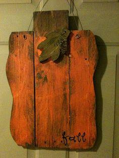 DIY: Pallet Pumpkin - basic tutorial on how to cut this pumpkin shape out of salvaged wood. Lyndsey's Craft Spot: Pallet Pumpkin...