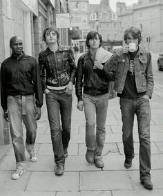 """THE LIBERTINES - SHORT FILM   The short film Roger Sargent edited as a visual history of #TheLibertines - which was originally screened before their #HydePark gig in London this summer - has been released via #YouTube.   The fifteen minute short film is made up of old footage and photos from Roger Sargent's archive, including unheard interview footage from his 2010 documentary of the band, """"There Are No Innocent Bystanders"""".  #PeteDoherty and Carl Barat also appear to be pressing ahead with…"""