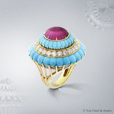 Lady's Cocktail ring, Pierres de Caractère Variations collection Yellow gold, round diamonds, carved rubellite and turquoise With the Lady's Cocktail ring, the Maison pays homage to one of its major sets of the 1960s, belonging to the famous soprano Maria Callas, iconic client of Van Cleef