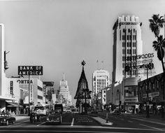 Christmas in Los Angeles. California History, Vintage California, California Usa, Southern California, Vintage Pictures, Old Pictures, Old Photos, 1940s Photos, Las Vegas