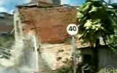 Casa de dois andares desaba no sul da Bahia - Jornal Hoje - Catálogo de Vídeos