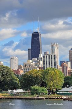 Chicago skyline by Songquan Deng, via Flickr