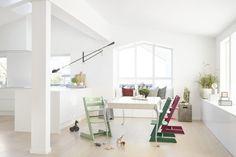 Stokke® komt daarom met drie nieuwe kleuren uit de natuur voor de Tripp Trapp®-collectie: Heather Pink, Moss Green en Forest Green.