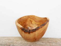 Natural Edge Rustic Bowl 8.2 Inches Diameter, Wooden round Wood salad Fruits Olive Wood bowl