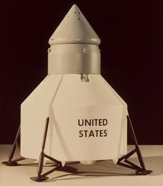 Pictorial Developmental History of the Lunar Lander Kerbal Space Program, Lunar Lander, Apollo Space Program, Blue Peter, Days Of Future Past, Classic Sci Fi, Space Images, Space And Astronomy, Space Travel