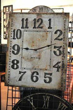 square clock.....nice