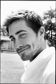 Jake Gyllenhaal! Such a cocky smile haha! Reminds me of him in Prince of Persia