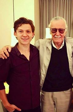33 Images of Marvel Actors With Stan Lee Which Will Alwaysd Keep His Memories Alive - WhatGeek Marvel Actors, Marvel Heroes, Marvel Movies, Captain Marvel, Marvel Avengers, Marvel Characters, Avengers Cast, Stan Lee, Tom Holland Peter Parker