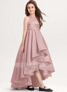 Girls Dresses Sewing, Stylish Dresses For Girls, Stylish Dress Designs, Little Girl Dresses, Designer Dresses For Kids, Girls Dresses Online, Indian Gowns Dresses, Indian Fashion Dresses, Pakistani Kids Dresses