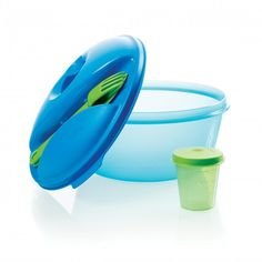 Salad On the Go Set:          This unique container is ideal for both on-the-go and at-home use. In addition to serving salads, it's also great for fridge storage. Everything snaps together for the ultimate in convenience.Great for on the goIncludes Tupper Mini Container that's ideal for taking dressings alongAlso includes snap-together fork and knifeEverything clips to virtually air and liquid-tight sealModular Bowl is 6 1/3 cup/1.5 L    Item:10119806000