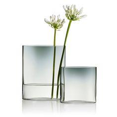 Finnish Design Shop - online store specialized in Nordic design Colored Glass Vases, Clear Glass Vases, Glass Art, Design Shop, Scandinavian Vases, Scandinavian Interiors, Art Nouveau, Art Antique, Grey Home Decor