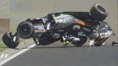 Sergio Perez überschlägt sich auf dem Hungaroring. (Quelle: Twitter@F1)