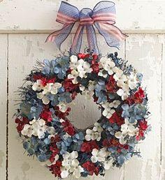 Pretty patriotic wreath army-wife