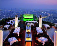 Rooftop Sky Bar and Sirocco Restaurant at Lebua Hotel in Bangkok, Thailand Vacation Destinations, Dream Vacations, Dubai Vacation, Jumeirah Beach Hotel Dubai, Nature Architecture, Decoration Restaurant, Sky Bar, Best Rooftop Bars, Beste Hotels