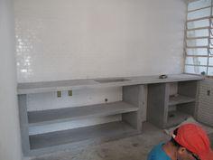 Obras: bancada cozinha em concreto.