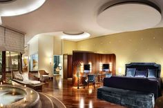 Affordable & Adorable Napoli: Five Value Hotels New City, Grand Hotel, High Class, Hotels And Resorts, Warm, Mansions, House Styles, Luxury, Places