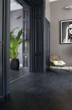48 Easy Shower Design Ideas For Small Bathroom Dark Tile Floors, Grey Floor Tiles, Slate Flooring, Black Floor, Gray Interior, Home Interior Design, Tiled Hallway, Flur Design, Bedroom Door Design